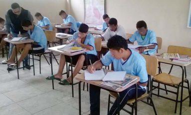 Suspendidas clases en instituciones educativas de la Zona 8 tras el sismo de 6,2 grados