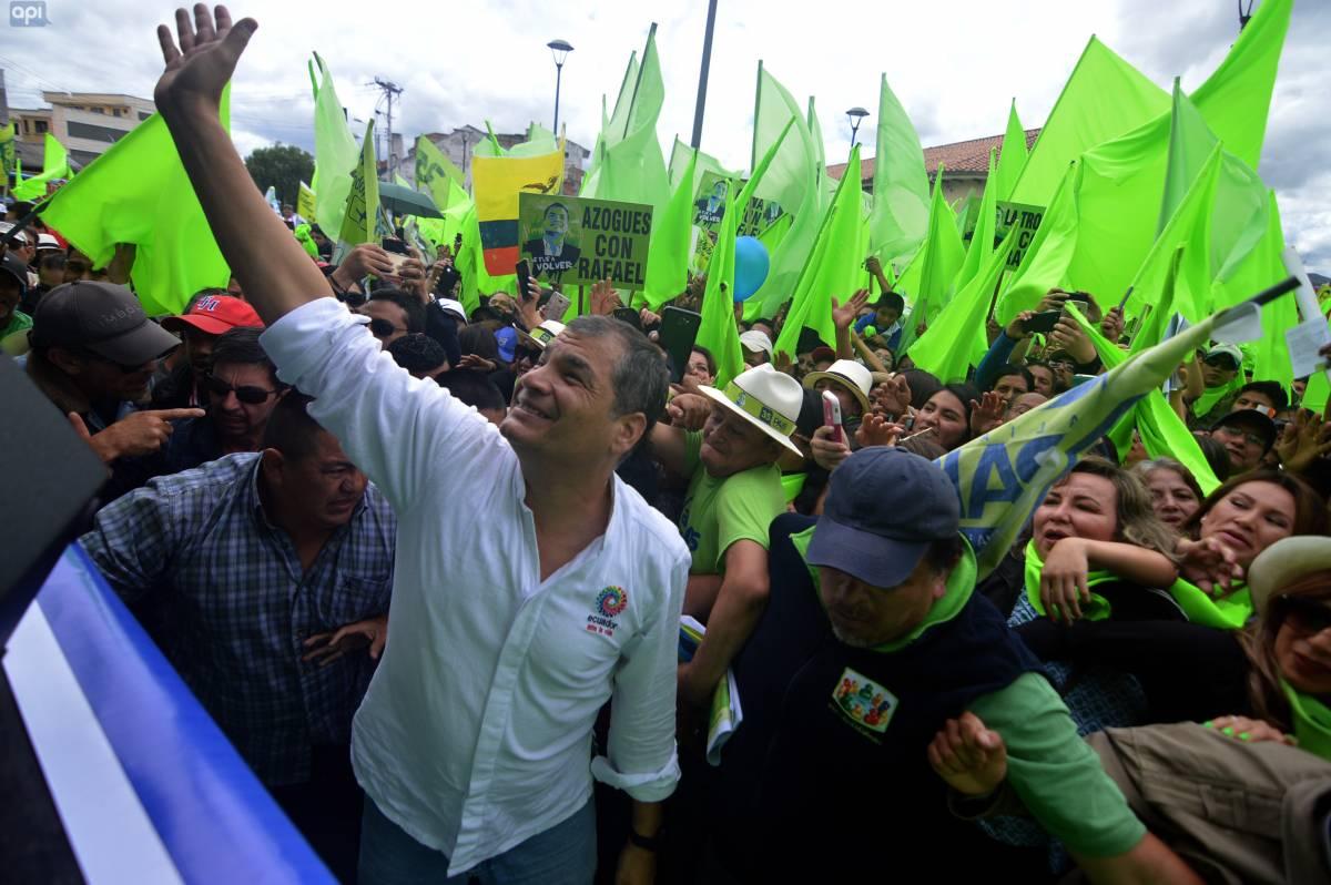 Ex presidente Correa visita Cuenca