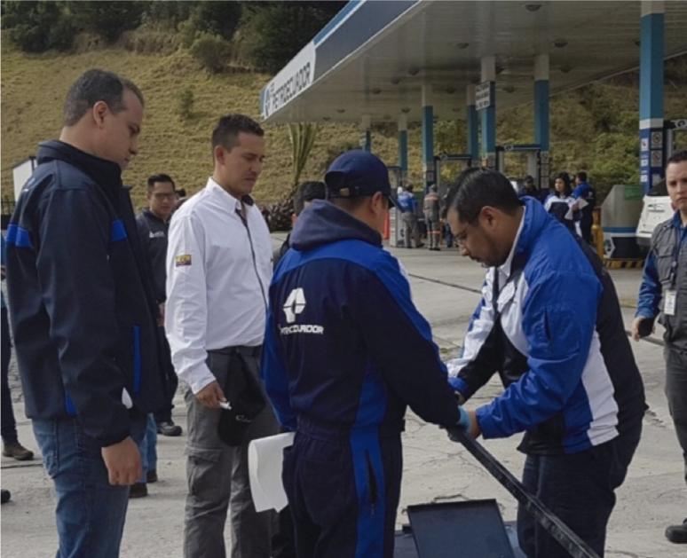 Inspecciones-a-estaciones-de-servicios-de-Carchi- Petroecuador