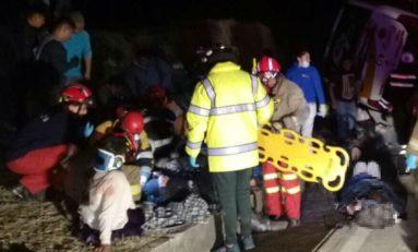 Cuatro muertos y 42 heridos en accidente de tránsito en Nabón