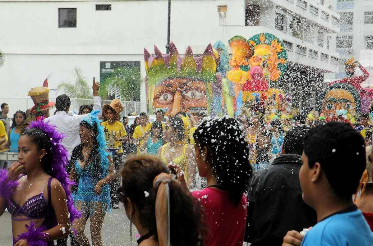 Listo operativo de seguridad para feriado de carnaval en for Twitter ministerio del interior ecuador