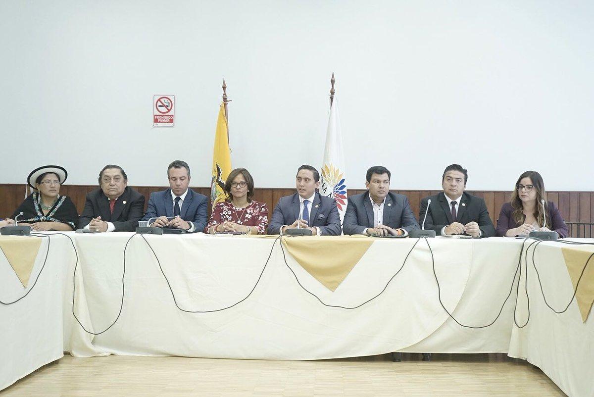 Legislativo de Ecuador conformará comisión especial para implementar consulta popular