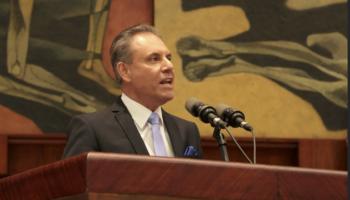 carlos_ochoa_asamblea