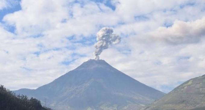 reventador volcan