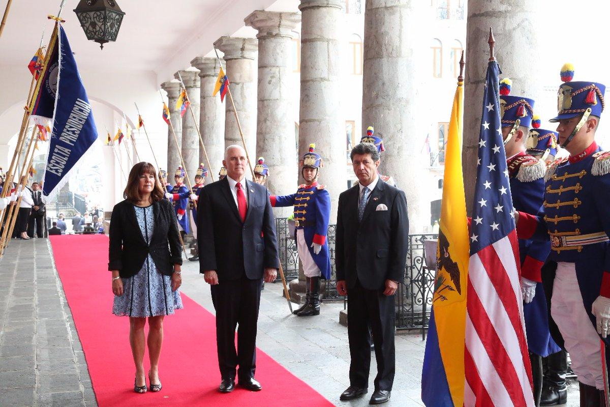 Mike Pence en Ecuador
